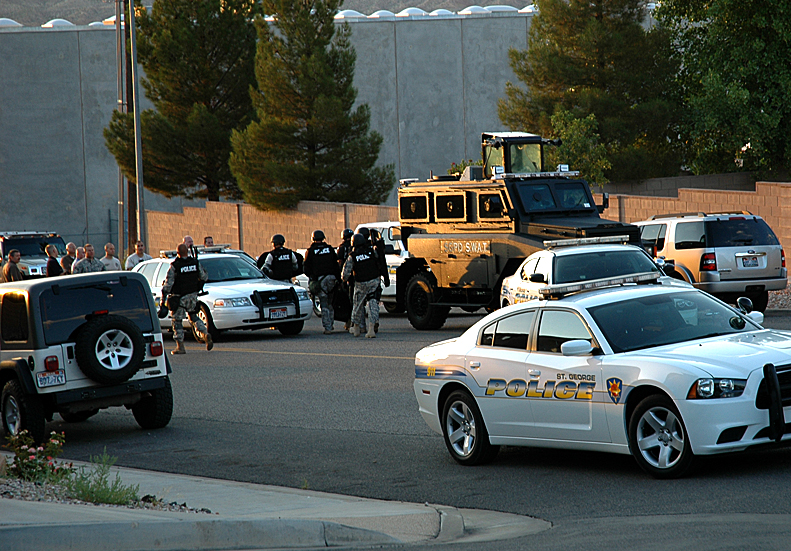 St. George Police Department and SWAT team coordinate response for the early morning domestic dispute in the 400 North area of 2900 East, St. George, Utah, Aug. 11, 2012 | Photo by Brett Barrett, St. George News