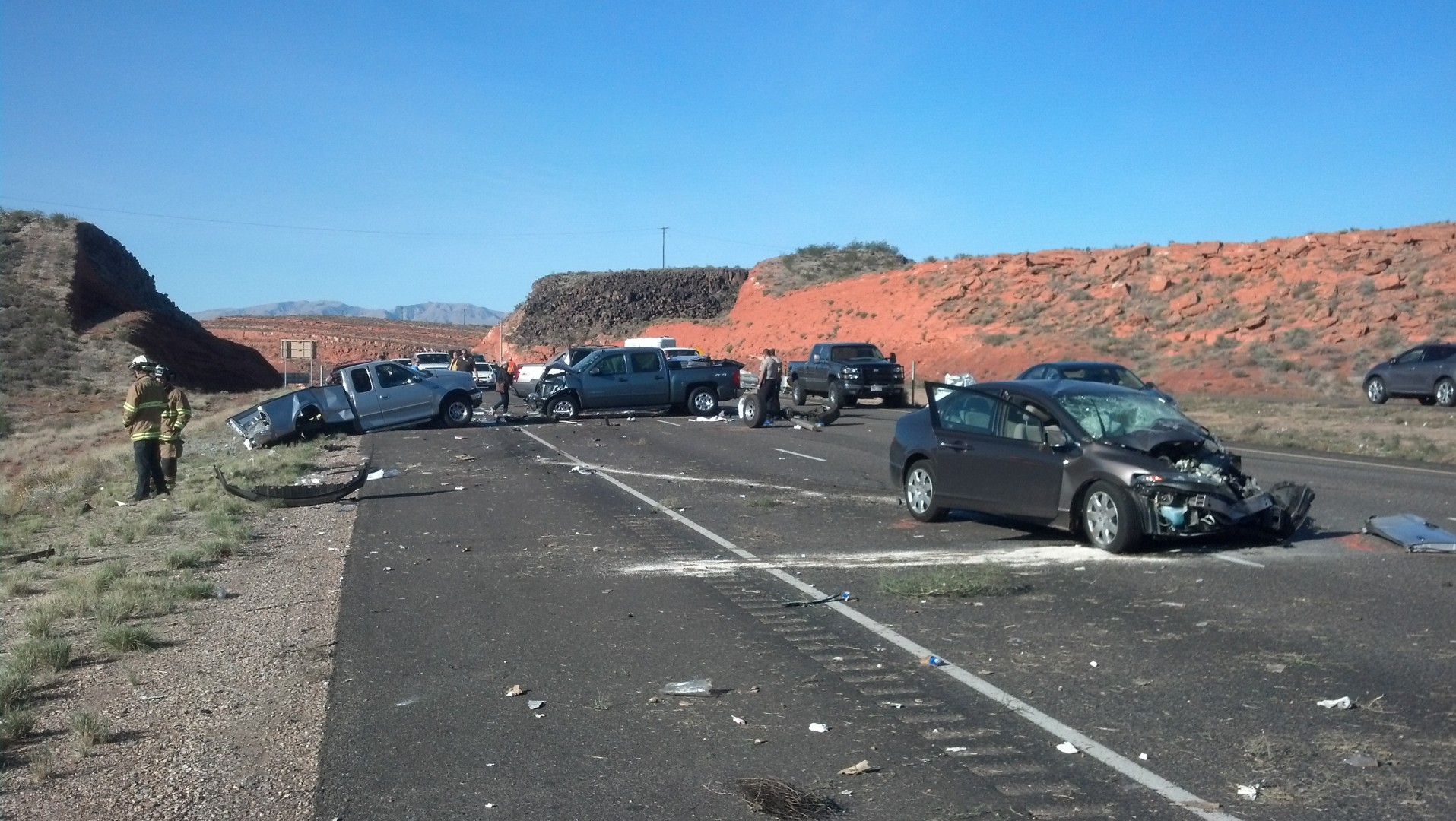 Multi-vehicle accident on I-15 NB, injuries and highway closures