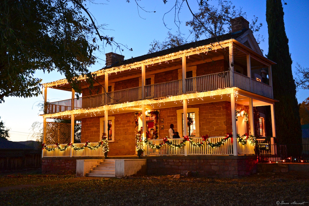 The Covington Mansion at Christmastime 2012 restored and regaled