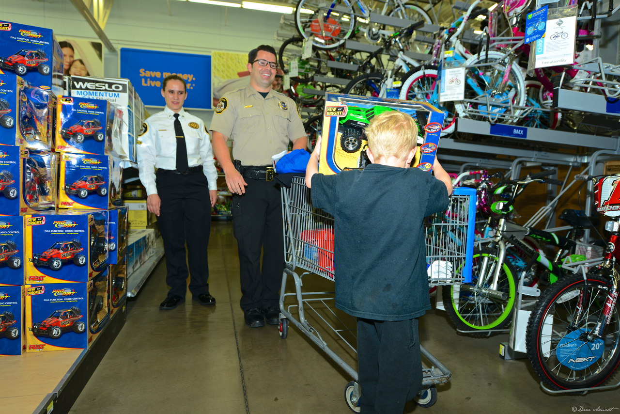 Southern Utah public safety servants invest in Shop with a Cop 2012