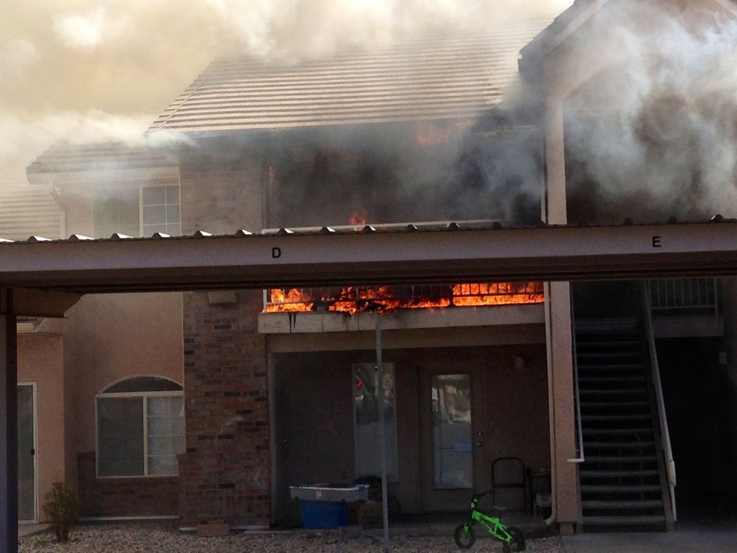 Fire at Desert Rose Apartments, St. George, Utah, March 18, 2013 | Photo by Dave Amodt, St. George News