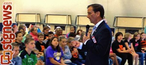Rep. Chris Stewart visits students at Arrowhead and Riverside Elementary Schools in Washington County, Utah, May 2, 2013 | Photo courtesy of the offices of Rep. Chris Stewart