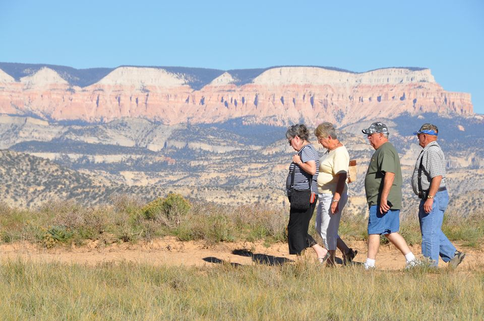 Locked out of the national park, tourists walk to a privately-owned piece of land set along the canyon's rim to get a view of Bryce Canyon National Park, Bryce Canyon, Utah, Oct. 2, 2013 | Photo courtesy of Rudy's Inn, St. George News
