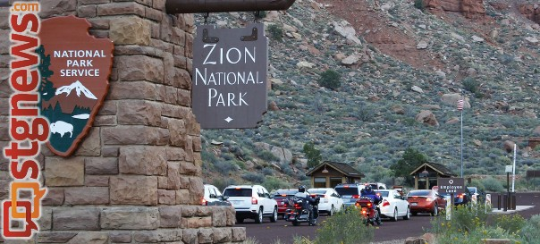 Visitors waiting for Zion National Park to open after nearly two weeks of being closed due to the partial government shutdown, Zion National Park, Utah, Oct. 12, 2013 | Photo by John Teas, St. George News