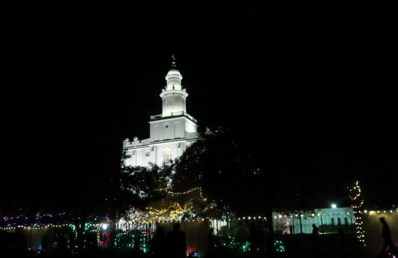 Lighting of the St. George Temple of the Church of Jesus Christ of Latter-day Saints, an annual Christmas ceremony, St. George, Utah, Nov. 23, 2012 | Photo by Sandie Divan, St. George News