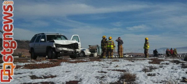 A four-car accident blocked the intersection of River Road and 1450 South and sent one man to the hospital, St. George, Utah, Dec. 13, 2013 | Photo by Mori Kessler, St. George News
