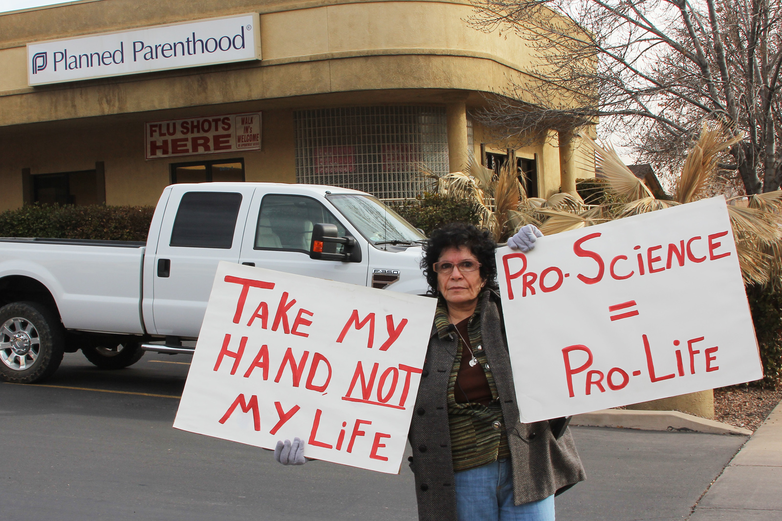 Pro-life advocates delivered their message before Planned Parenthood office on the 41st anniversary of the Supreme Court's decision in Roe v. Wade, St. George, Utah, Jan. 22, 2014 | Photo by John Teas, St. George News