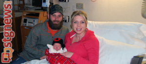 L-R: Father Craig Reid, baby Costner Reid, mother and Mother Candace Reid, Valley View Medical Center, Cedar City, Utah, Jan. 1, 2014 | Photo courtesy of Valley View Medical Center