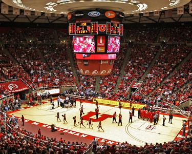 Hoops at the Hunstman Center | Photo courtesy Utah Athletics