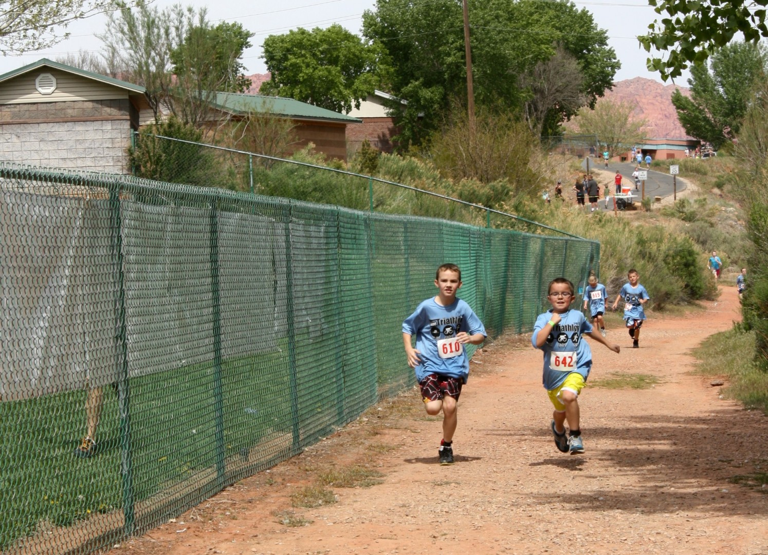 Anyone can do these shac tuff kids triathlons with solo team family options st george news for Sand hollow swimming pool st george