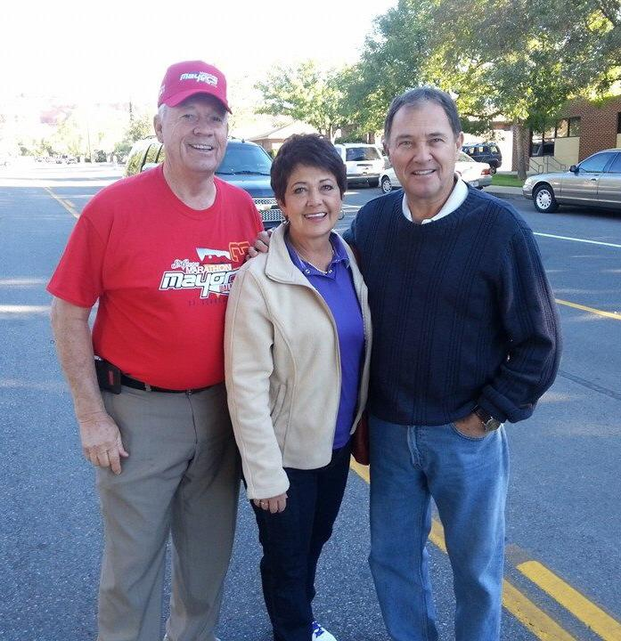 Mayor McArthur welcoming Gov. Herbert and his wife to the St. George Marathon, St. George, Utah,   Oct. 5, 2013   Photo courtesy of Dan McArthur