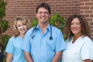 L-R Melissa Jetmore, Kris Moffitt, Dr. Kenneth Pinna, Sueann Roberts and Lisa Stearns pose outside the office of Southwest Allergy and Asthma, St. George, Utah, Date not specified | Photo courtesy of Southwest Allergy and Asthma, St. George News