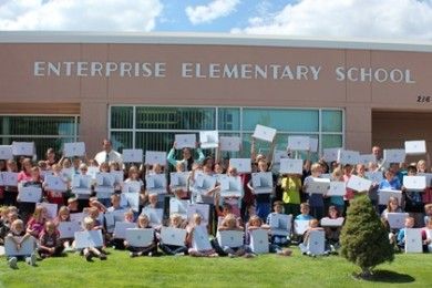 Enterprise Elementary School teacher Heather Day's fifth-grade class, Enterprise, Utah, date not specified | Photo courtesy of The Horace Mann Companies, St. George News