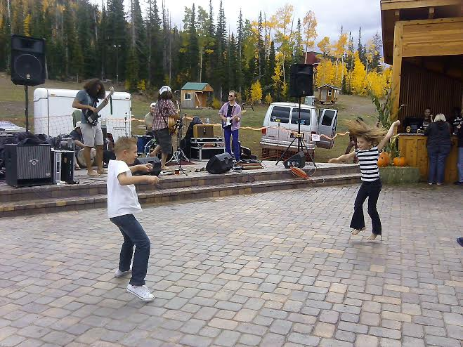 Dancing to Jensen Buck and the Family at the R'Oktoberfest held at Giant Steps Lodge in Brian Head, Utah, Sept. 20, 2014 | Photo by Aspen Stoddard, St. George News