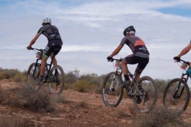 Racers take off on the cross-country course at the first-ever Fall Fury mountain bike race, St. George, Utah, Oct. 18, 2014 | Photo by Hollie Reina, St. George News