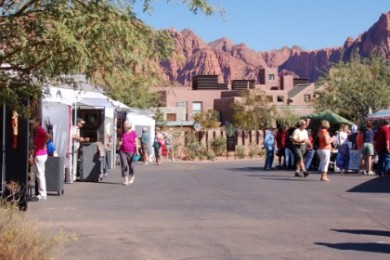 Patrons enjoy beautiful art and scenery at the Art in Kayenta Festival, Ivins, Utah, Oct. 10, 2014 | Photo by Hollie Reina, St. George News