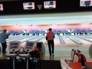 Annette Chugg, 64, takes her turn during qualifying rounds at the Huntsman World Senior Games held at Sunset West Bowling Center, 1476 W. Sunset Blvd. in St. George, Utah, Oct. 15, 2014 | Photo by Aspen Stoddard, St. George News