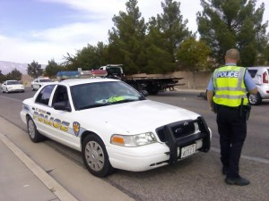 St. George police officer responds to the accident that occurred in the intersection of 350 N. and 2450 East in St. George, Utah, Oct. 17, 2014 | Photo by Aspen Stoddard, St. George News