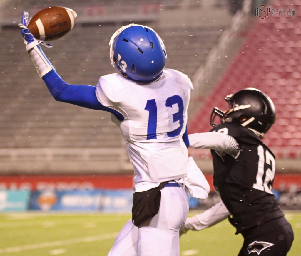 Flyer receiver Bret Barben makes a spectacular one handed catch and sprints to the endzone, Pine View vs. Dixie, 2014 3AA Football Playoffs, Salt Lake City, Utah, Nov. 13, 2014 | Photo by Robert Hoppie, ASPpix.com, St. George News