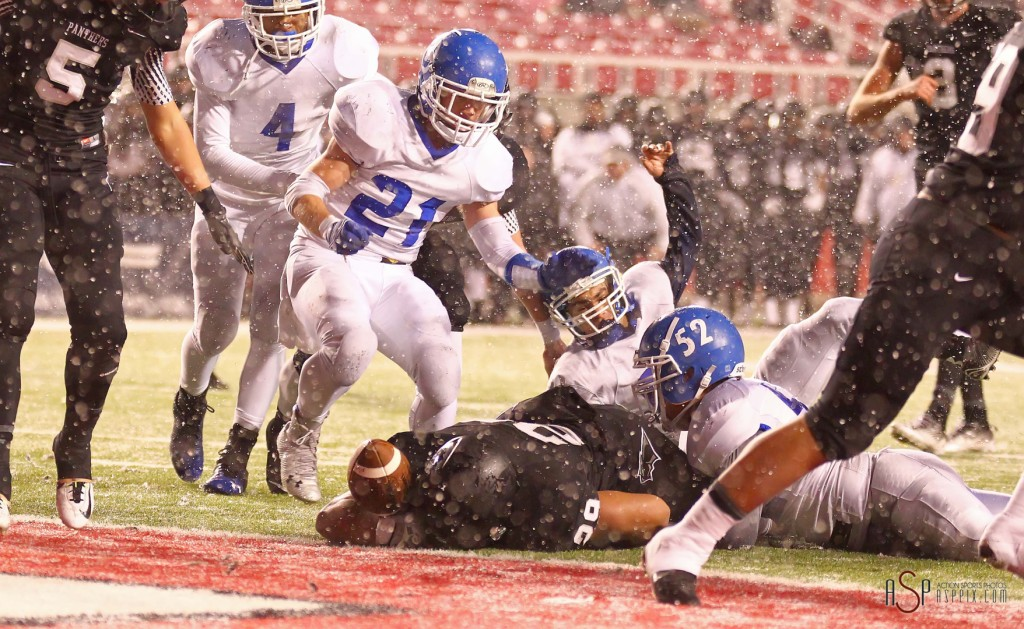 Pano Tiatia comes up just short of the goal line on fourth down, Pine View vs. Dixie, 2014 3AA Football Playoffs, Salt Lake City, Utah, Nov. 13, 2014 | Photo by Robert Hoppie, ASPpix.com, St. George News