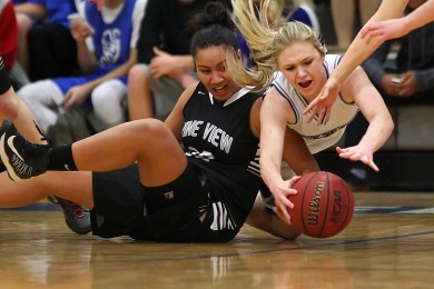 Dixie vs. Pine View, Girls Basketball, St. George, Utah, Jan. 6, 2015 | Photo by Robert Hoppie, ASPpix.com, St. George News