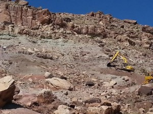 Excavation equipment on the around 800 foot mesa where the dinosaur skeleton mass was uncovered, Utah, date unspecified | Photo courtesy of James Kirkland, St. George News