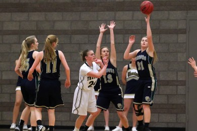 Snow Canyon vs. Desert Hills, Girls Basketball, St. George, Utah, Feb. 5, 2015 | Photo by Robert Hoppie, ASPpix.com, St. George News