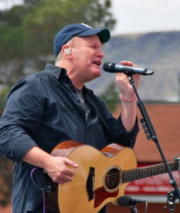 Customer Appreciation concert featuring country music artist Collin Raye, Town & Country Bank, St. George, Utah, date | Photo courtesy of Town & Country Bank, St. George News