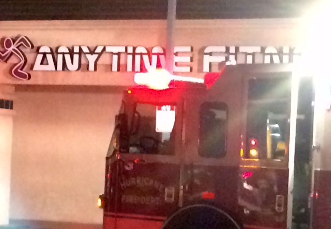 Emergency responders at Anytime Fitness when it caught fire, Hurricane, Utah, April 17, 2015 | Photo by Ric Wayman, St. George News