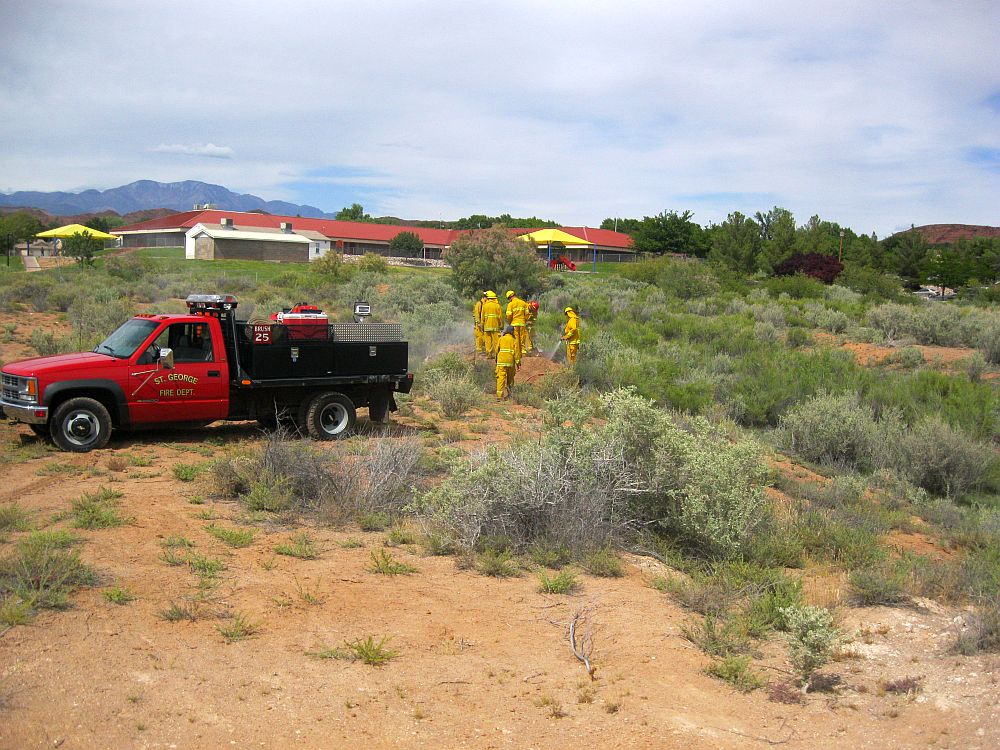 A small brushfire behind Sunset Elementary School was quickly extinguished, St. George, Utah, May 17, 2015 | Photo by Ric Wayman, St. George News