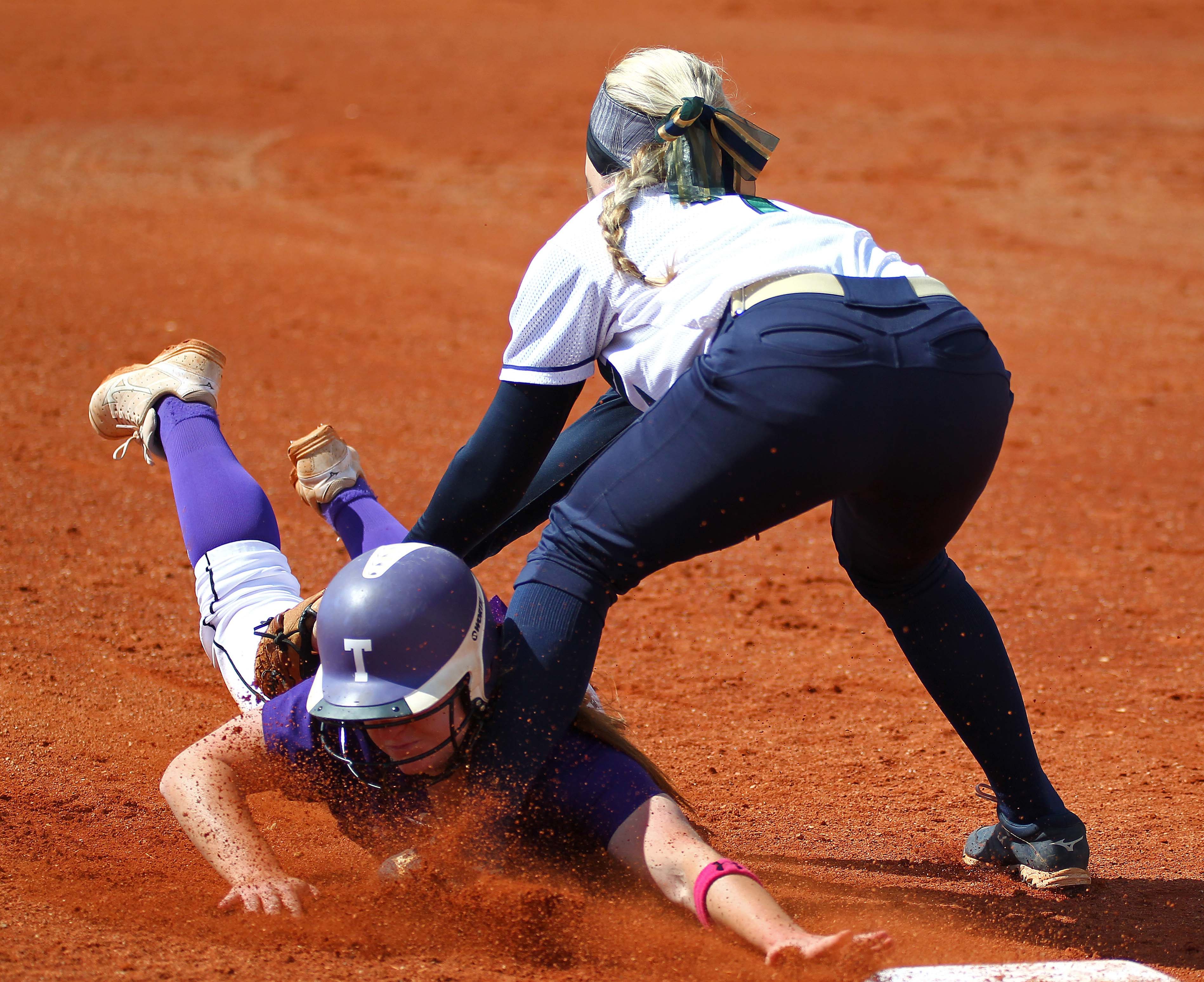 Warrior Third Baseman Shelbee Hutchings Tags Out A Tooele Runner Snow Canyon Vs