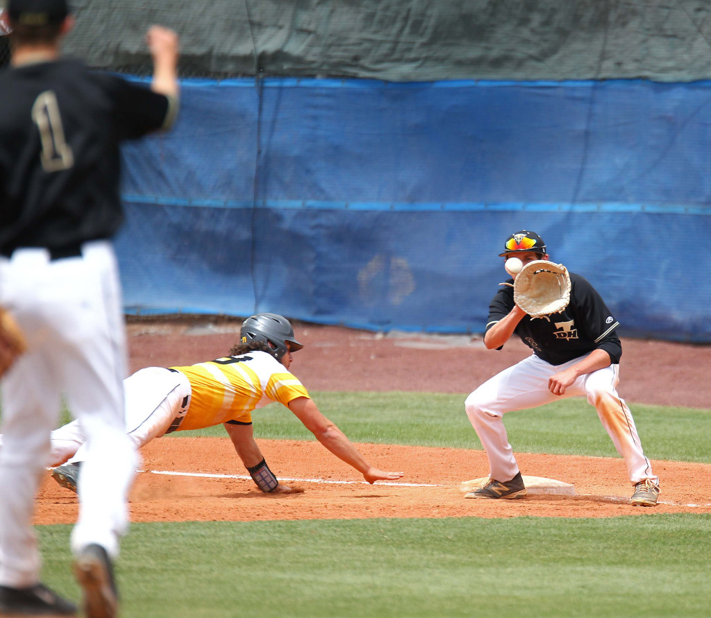 Thunder pitcher Braiden Irvin (1) throws over to first baseman Brayson Hurdsman, Desert Hills vs. Union, Baseball, St. George, Utah, May 14, 2015 | Photo by Robert Hoppie, ASPpix.com, St. George News