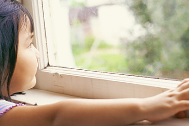 child-window-fall-1