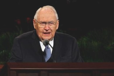 Elder L. Tom Perry of the Quorum of the Twelve Apostles addresses the audience at the Saturday morning session of general conference, Salt Lake City, Utah, April 4, 2015 |  Photo by Intellectual Reserve, Inc., courtesy of The Church of Jesus Christ of Latter-day Saints, St. George News