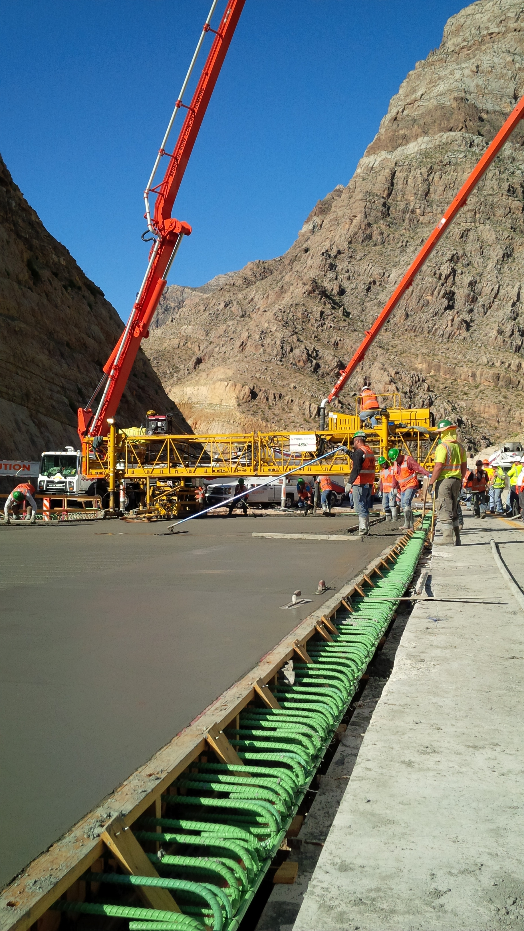 Concrete deck being completed on the Virgin River Gorge Bridge No. 6 on I-15, Mojave County, Arizona, June 1, 2015 | Photo courtesy of ADOT, St. George News