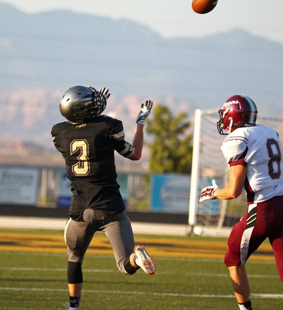 Garrick Sharp (3) snags a touchdown pass for the Thunder, Desert Hills vs. Jordan, Football, St. George, Utah, Aug. 21, 2015, | Photo by Robert Hoppie, ASPpix.com, St. George News