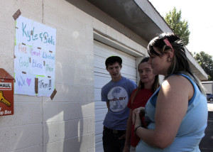 Counter-protest at Mammoth Mobile Estates office, Mammoth Mobile Estates, Cedar City, Utah, August 28, 2015   Photo by Carin Miller, St. George News