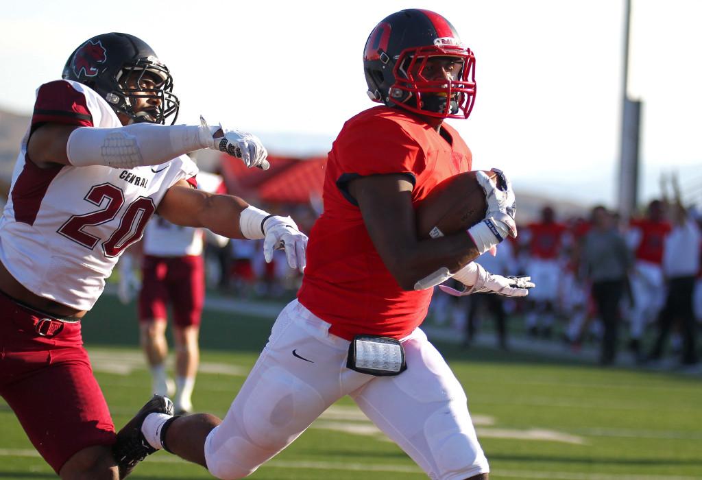 DeJon Coleman scores a touchdown for the Red Storm, Dixie State University vs. Central Washington University, St. George, Utah, Sept. 10, 2015, | Photo by Robert Hoppie, ASPpix.com, St. George News