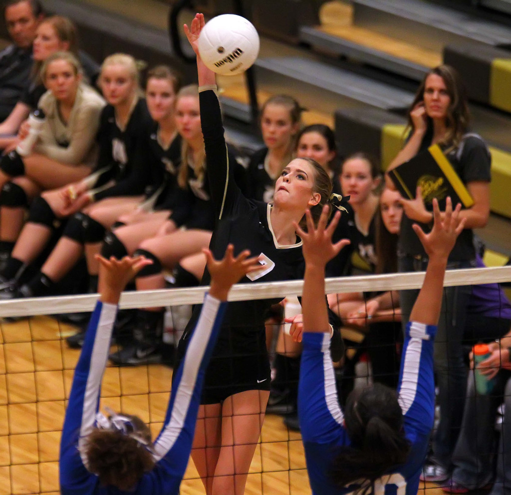 Rachel Winters (7), Desert Hills vs. Dixie, Volleyball, St. George, Utah, Sept. 17, 2015,   Photo by Robert Hoppie, ASPpix.com, St. George News