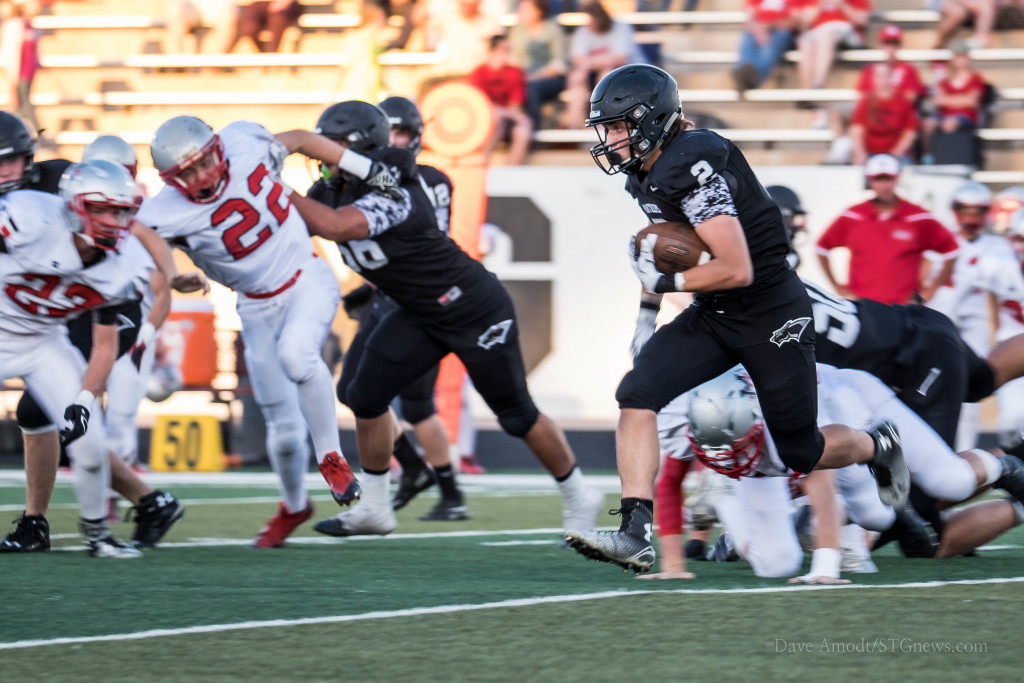 Panther RB Kobe Topalian (2) looks for open space, Pine View vs. Manti, St. George, Utah, Sept. 4, 2015 | Photo by Dave Amodt, St. George News