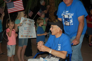 Utah Honor Flight returns from the District of Columbia, St. George, Utah, Sept. 19, 2015 | Photo by Hollie Reina, St. George News
