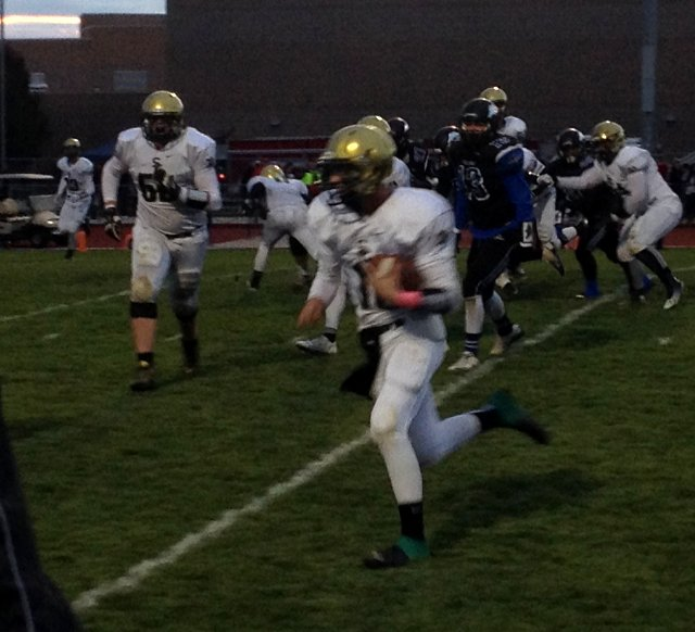 Jackson Nowatzke runs the ball, Snow Canyon at Stansbury, Tooele, Utah, Oct. 30, 2015 | Photo by AJ Griffin, St. George News