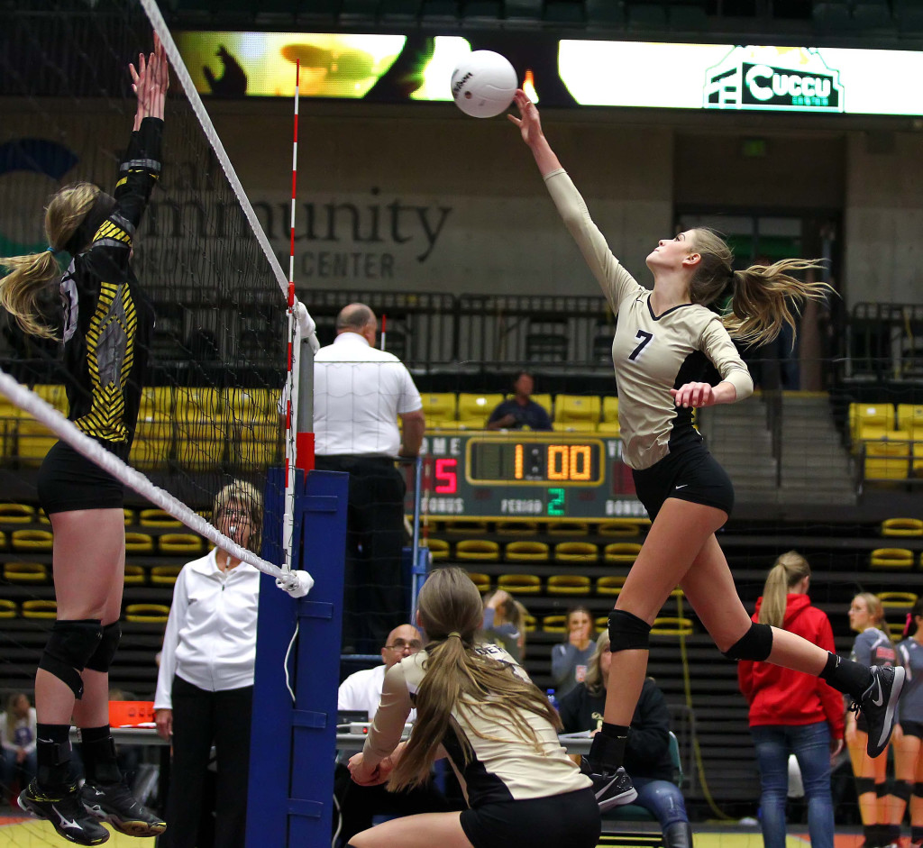 Desert Hills' Rachel Winters (7), 3A State Volleyball Tournament, Orem, Utah, Oct. 28, 2015, | Photo by Robert Hoppie, ASPpix.com, St. George News