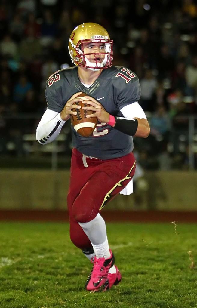 Mason Fakahua (12), Cedar vs. Pine View, Football, Cedar City, Utah, Oct. 9, 2015, | Photo by Robert Hoppie, ASPpix.com, St. George News
