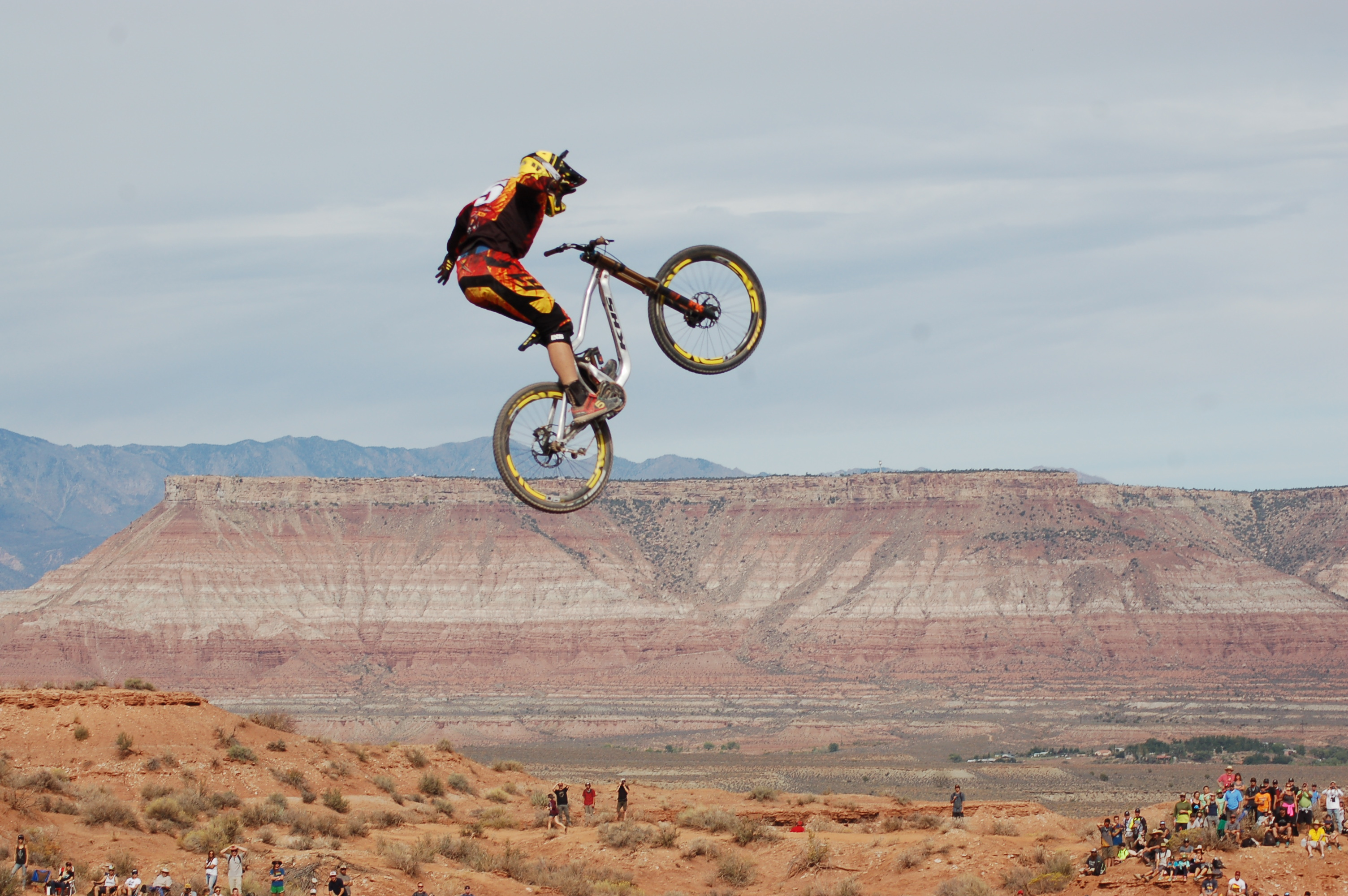 Red Bull Mountain Bike >> Sorge Returns As King Of The Mountain At Red Bull Rampage