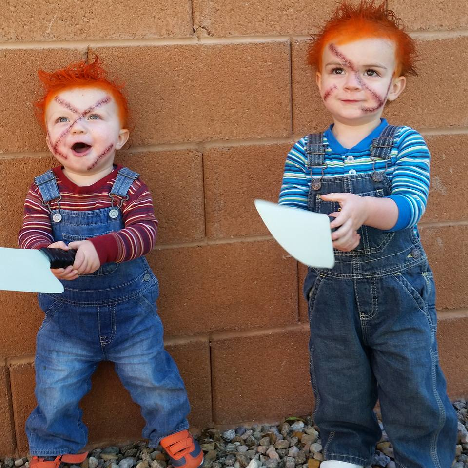 Twin Chuckys are armed and ready to terrorize the town, Southern Utah, Oct. 31, 2015 | Photo courtesy of Jeremie and Heidi Higgins, St. George News