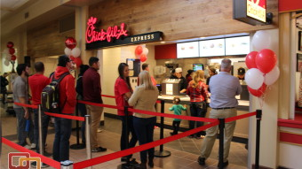 Chick Fil A Opens To Long Lines Enthusiastic Students St George News