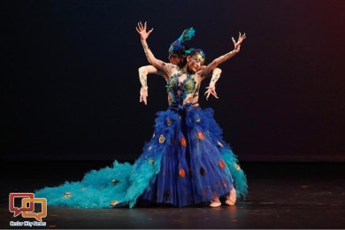 """Hong and Yangyang Chen perform """"Love of Peacock"""" during the Confucius Institute's cultural performance, Cedar City, Utah, Sept. 28, 2015 