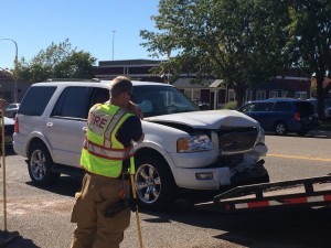 Three-car collision on Red Cliffs Drive, St. George, Utah, Oct. 24, 2015 | Photo by Mori Kessler, St. George News