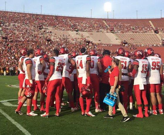 Utah Utes meet just before kickoff, Utah vs. USC, Los Angeles, Calif., Oct 24, 2015 | Photo courtesy Utah Athletics